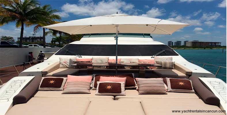 Renta-de-yates-en-Cancun-Charter-Privado-Azimut-85-pies-8